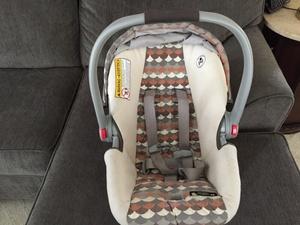 Grace SnugRide 35 Clock Connect Infant Car Seat